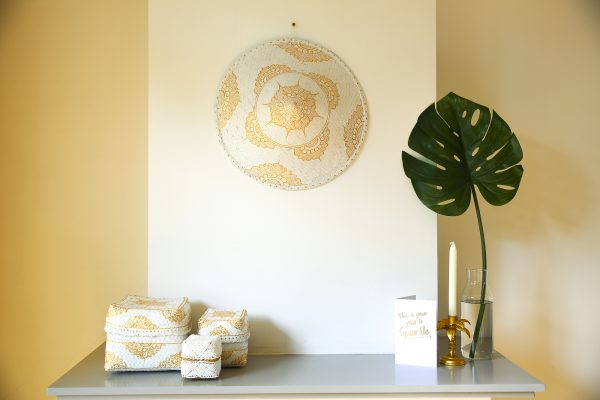 hand-painted paddy hat lotus white