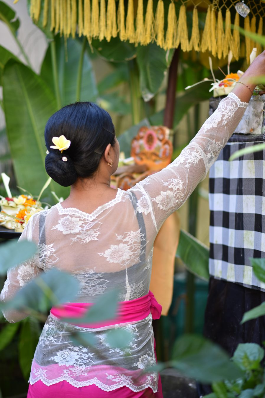 blog bali bride offering