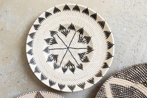 Murni woven wall plate
