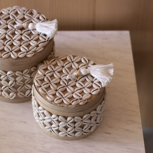 Sukawana set - set of 2 baskets with cowrie shells - round
