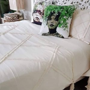 pre-order tufted quilt with fringe