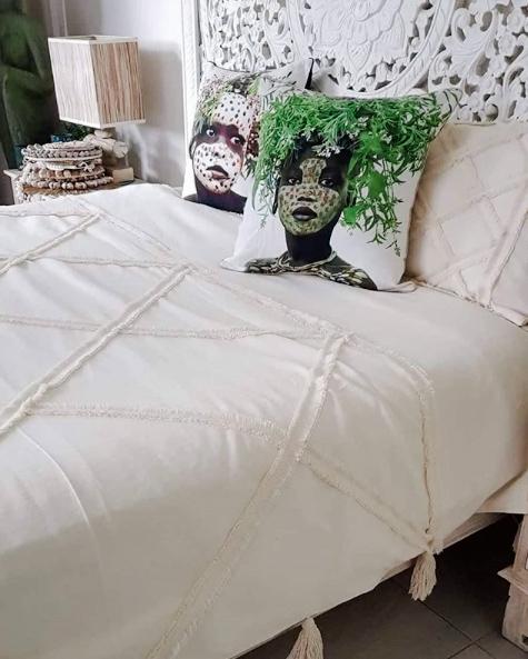 pre-order tufted quilt with fringe