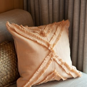 Tufted cushion cover