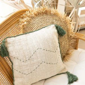 Soft cotton cushion cover with tassels