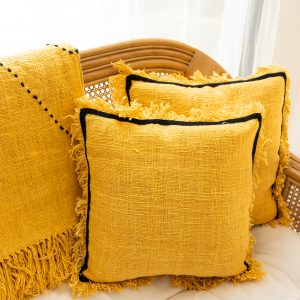 Soft cotton cushion cover with fringe